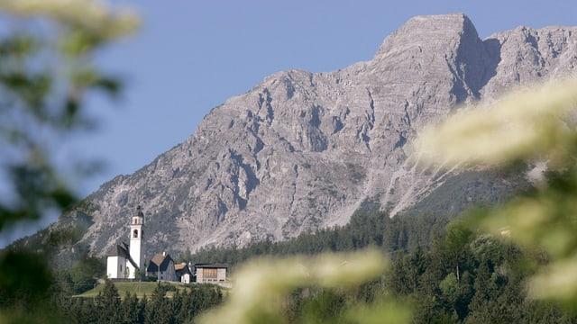 Bündner Dorf Mon