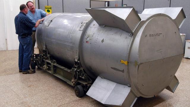Eine Atombombe B53