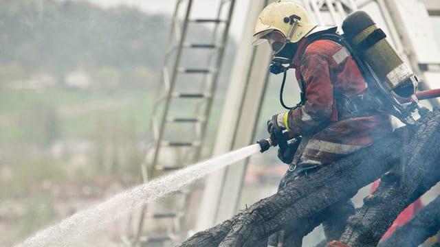 Mit einer schweizweit einzigartigen Werbeoffensive ringt der St. Gallische Feuerwehrverband um neue Mitglieder. Damit für Löscheinsätze weiterhin genügend Personal vorhanden ist.