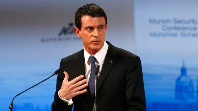 Manuel Valls, il primminister franzos declera che la Frantscha na vul betg dapli fugitivs