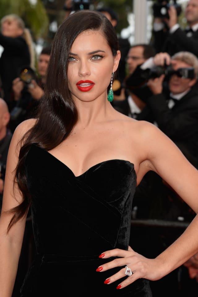 Model Adriana Lima
