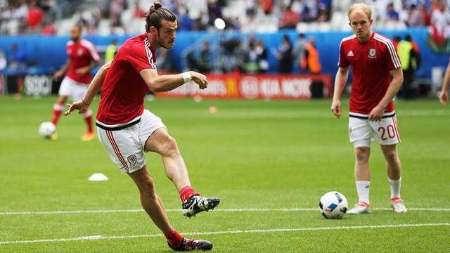 Gareth Bale beim Einschiessen.