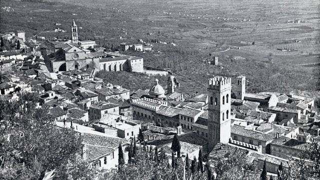 Vista d'Assisi da la Rocca Maggiore