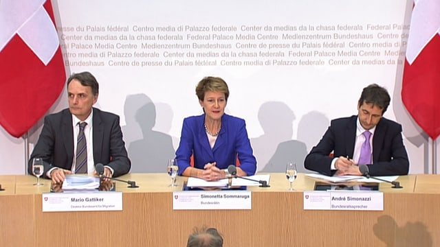 Podium an der Medienkonferenz.