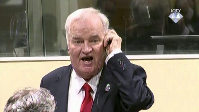 Ratko Mladic durant la pronunzia da la sentenzia.