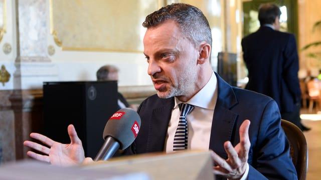 Hans-Ueli Vogt.