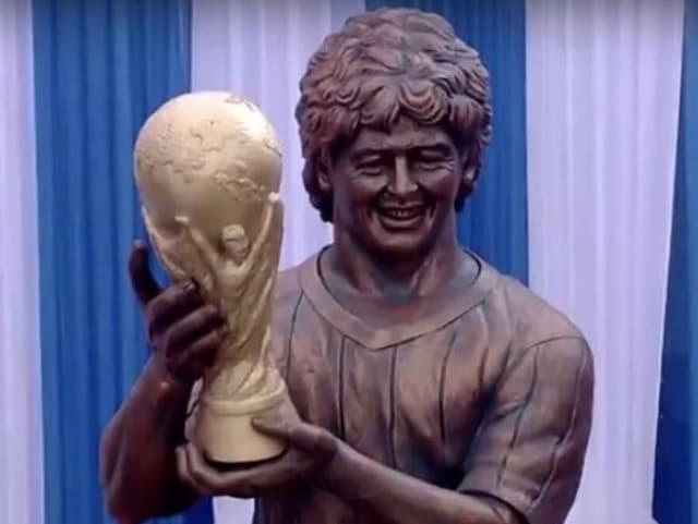 Statue von Maradona