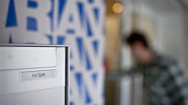 Briefkasten der Regionalen Arbeitsvermittlung RAV in Suhr