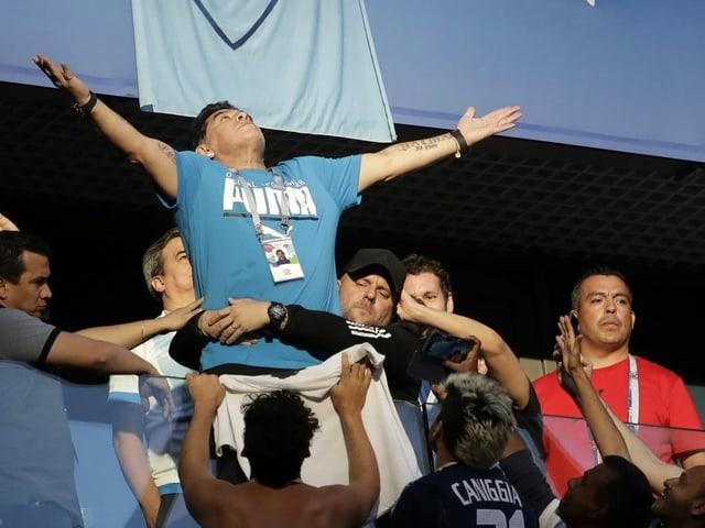 Diego Maradona an der WM 2018.