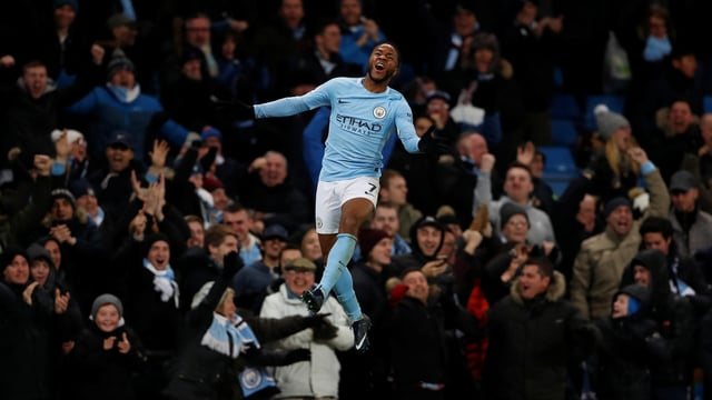 Raheem Sterling bejubelt das siegbringende 2:1 gegen Southampton.