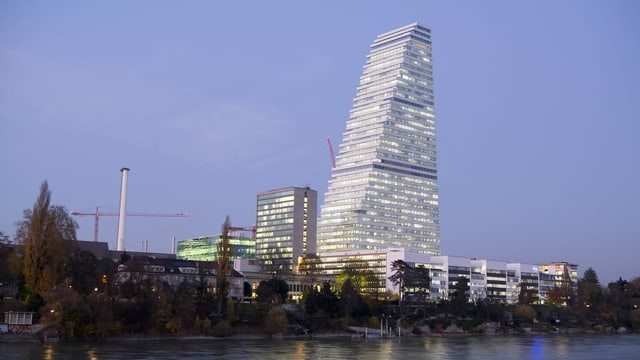 Roche Tower a Basilea dasper il Rain.