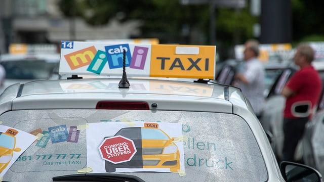 taxi cun logo che uber fatschia dumping