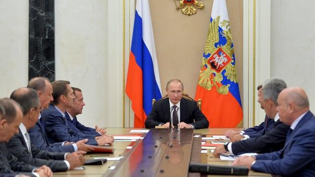 Präsident Putin informiert über die vereitelten Anschläge ukrainischer Gruppen auf der Krim.