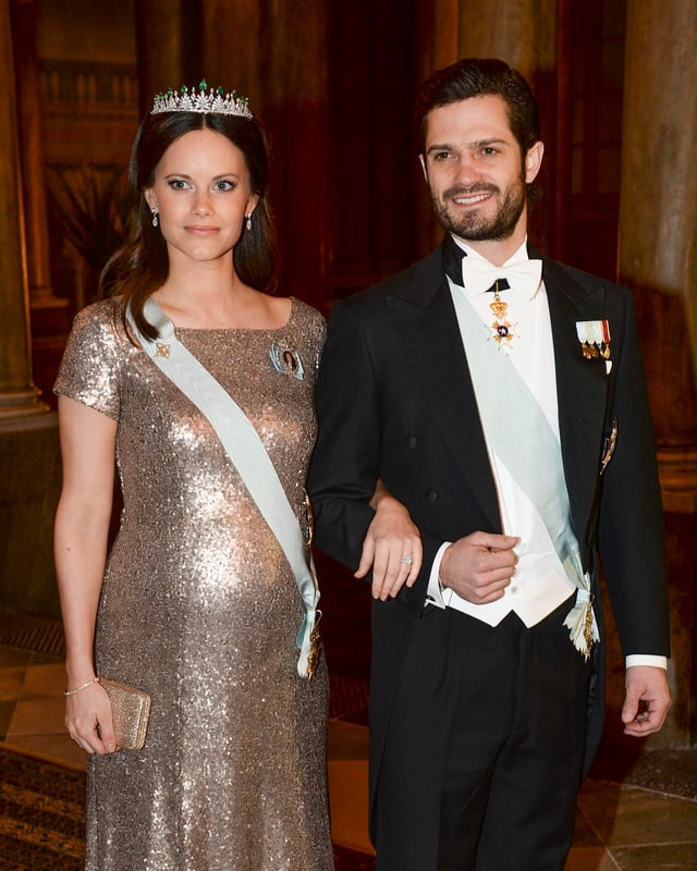 Prinzessin Sofia und Prinz Carl Philip posieren für die Fotografen.