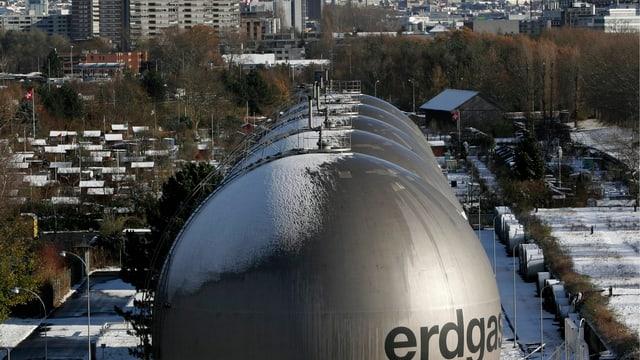 Gasometer in Schlieren in der Nähe von Zürich, aufgenommen im November 2005.