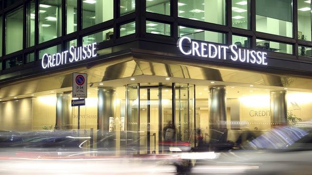 purtret d'ina filiala da la banca Credit Suisse
