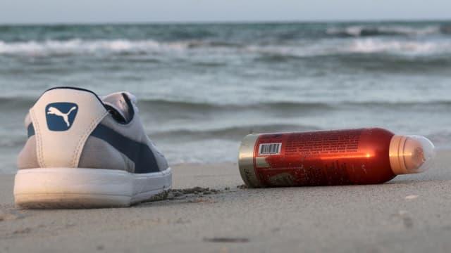 Schuhe vor der libyschen Küste