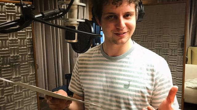 Dominik Muheim bei den Aufnahmen im Radiostudio