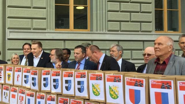 «Ja zum Verhüllungsverbot»: Die Initianten bei der Einreichung der Unterschriften am 15. September
