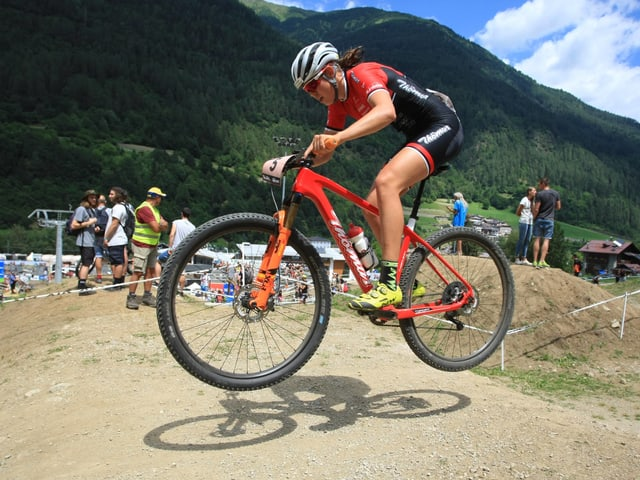 Alessandra Keller gewinnt ihr erstes Elite-Rennen.