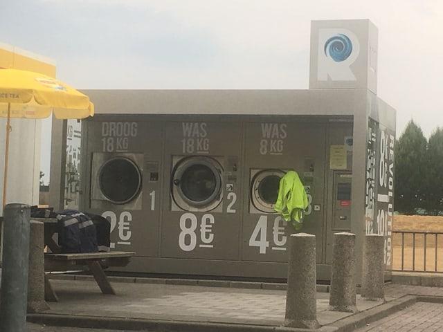Riesige Waschmaschiene