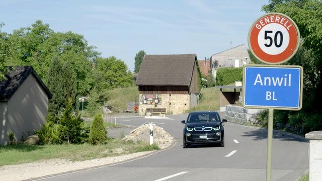 Dorfeingang von Anwil.