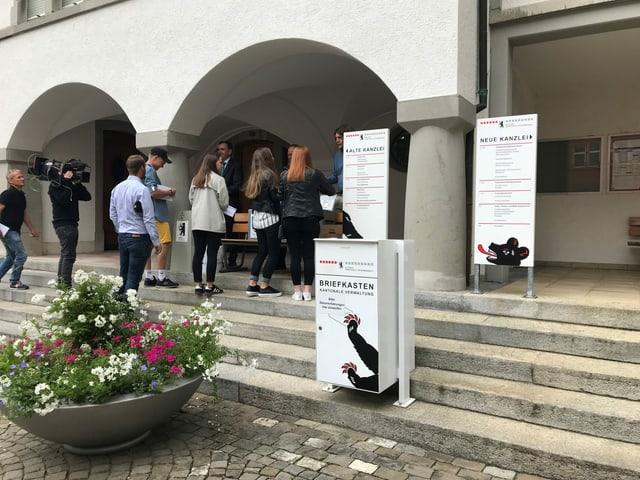Anstehen für den ausserordentlichen Urnengang in Innerrhoden am 23. August 2020.