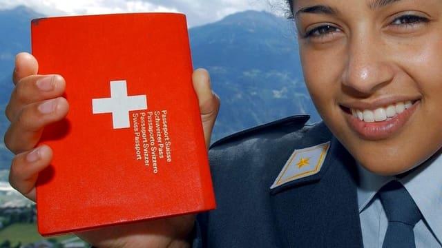 Pass und Soldatin