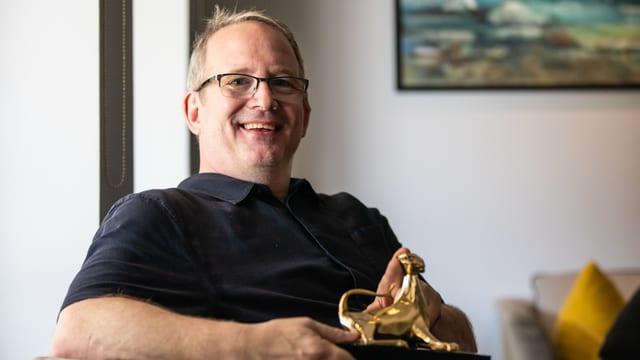 Produzent Ted Hope mit seinem Leoparden.