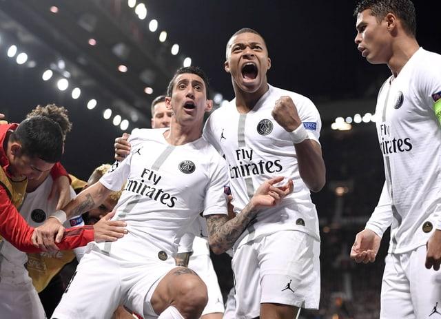 Di Maria und Mbappé feiern einen Treffer.