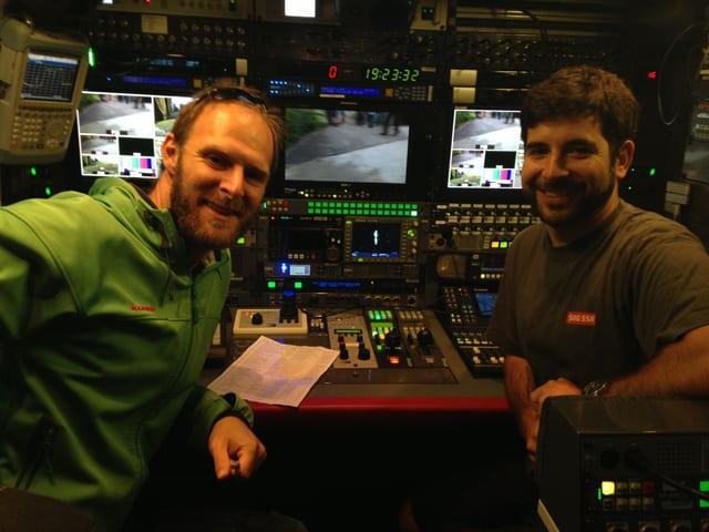 Produzent Rolf Elsener und SNG-Techniker David Baumann