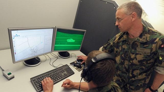 Schuldà vi d'in simulatur da tact electronic per furmaziuns mecanisadas (ELTAM).