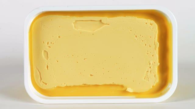 Blick auf eine offene Margarine-Packung