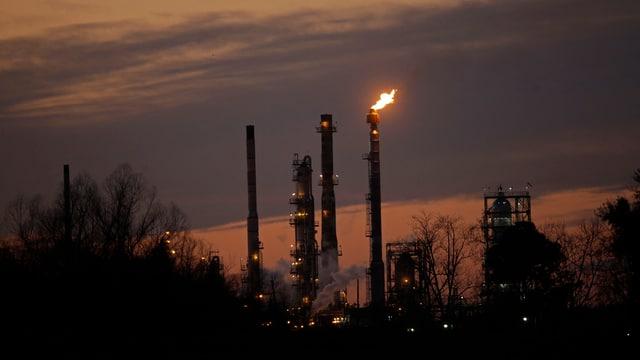 raffinaria d'ieli exxon mobil
