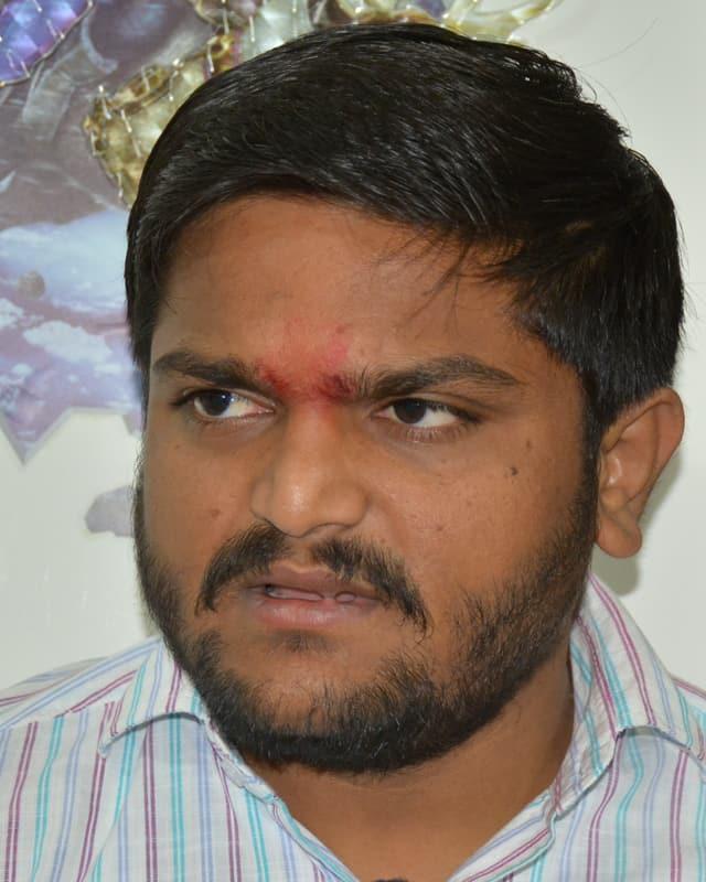 Porträtaufnahme von Hardik Patel.