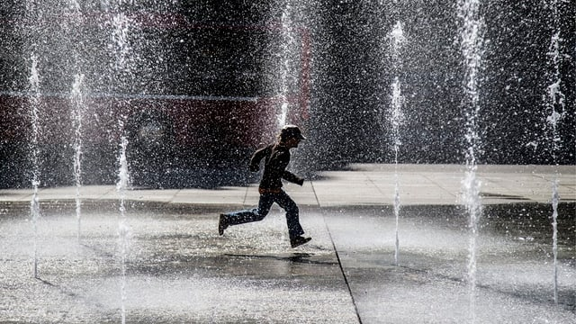 Das Wasserspiel auf dem Bundesplatz