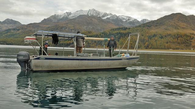 Fischerboot auf dem Silsersee