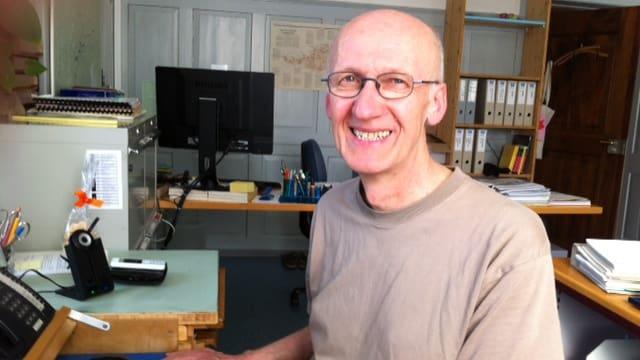 Porträt von Alf Arnold in seinem Büro.