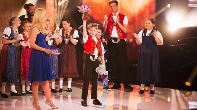 Video «Alperöösli - Die Schweizer Kinder-Musikshow» abspielen
