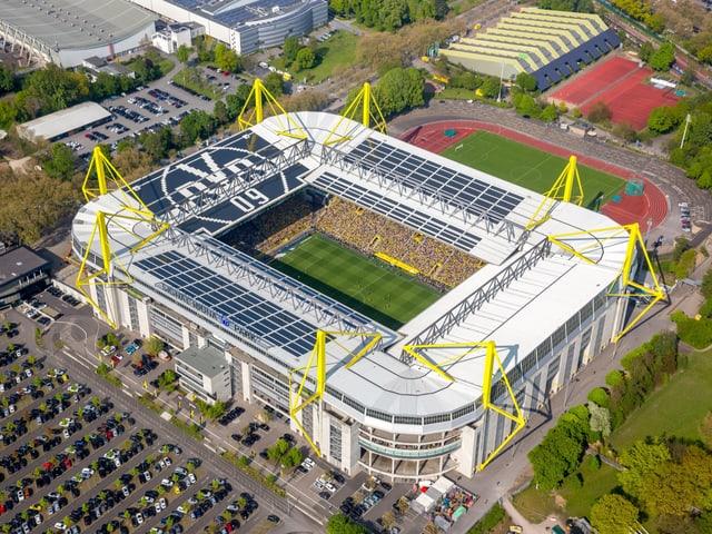 Signal Iduna Park in Dortmund aus der Vogelperspektive