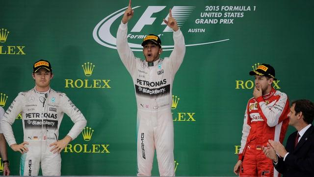 Lewis Hamilton è sin il podest ad Austin. Sanester dad el è ses collega da team Nico Rosberg ed a dretga Sebastian Vettel ch'è vegnì terz.