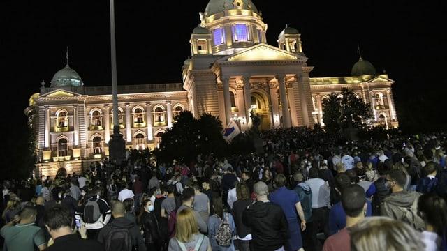 Tausende protestierten gegen Vucic