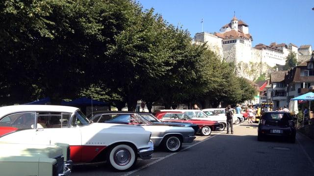 Video «Mazda 6 Kombi, Custom Race Museum & Route 66» abspielen