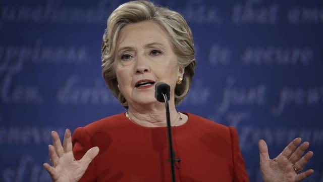 Hilary Clinton bei einer TV-Debatte 2016