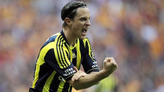 Reto Ziegler wechselt zu Fenerbahçe Istanbul.