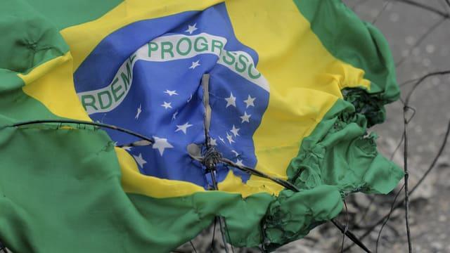 Bandiera da la Brasilia stgarpada.