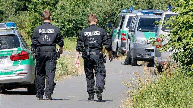 Polizisten am Tatort bei Würzburg (Aufnahme vom 19. Juli 2016).