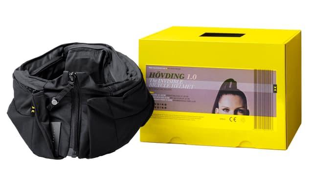 Ein schwarzer Stoffkragen, mit Airbag drin.