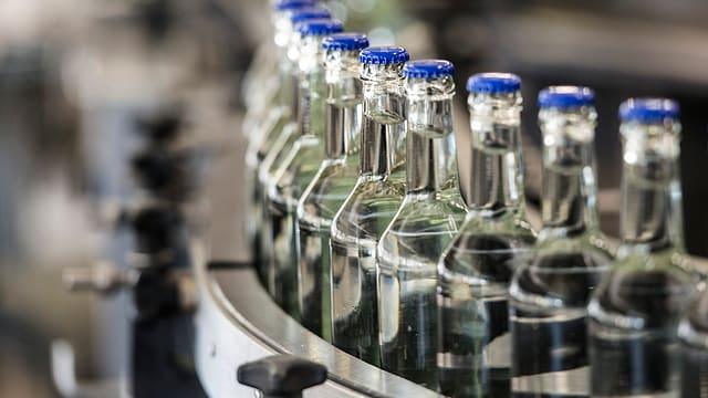Wasserflaschen in Produktion