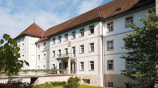 Das Kloster von Bellelay, Zentrum der Psychiatrie im Berner Jura.
